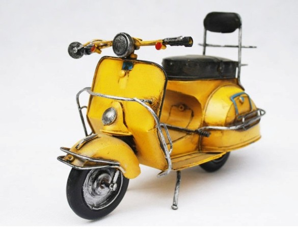 handmade_antique_tin_model_motorbike-scooter_red21